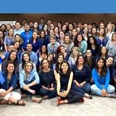 Nossa diretoria de Gente se vestiu de azul para reforçar a conscientização de toda a companhia.