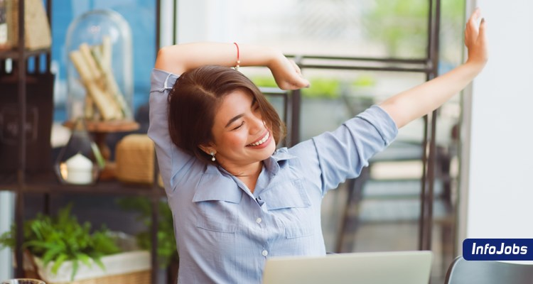 Em home office? Dicas para manter a postura trabalhando de casa.